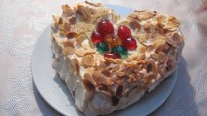 Valentijnstaart met brownie en meringue