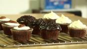 Chocoladecupcakes met fantasietopping