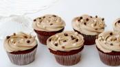Mooi gefotografeerde cappuccinocupcakes