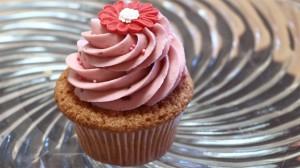 Cupcake met frambozenbotercrème