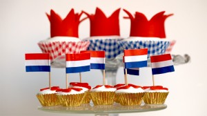 Kroningscupcakes voor koninginnedag