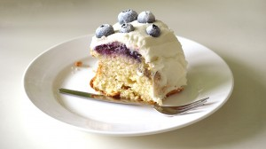 Bosbessencake van de Hummingbird bakery