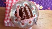 Chocoladetaart met bosvruchtenbavarois