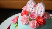 Verjaardagstaart met chipolata en marsepein